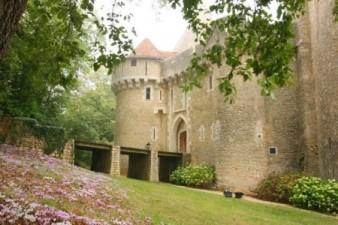 brenne-castle-1-450x300